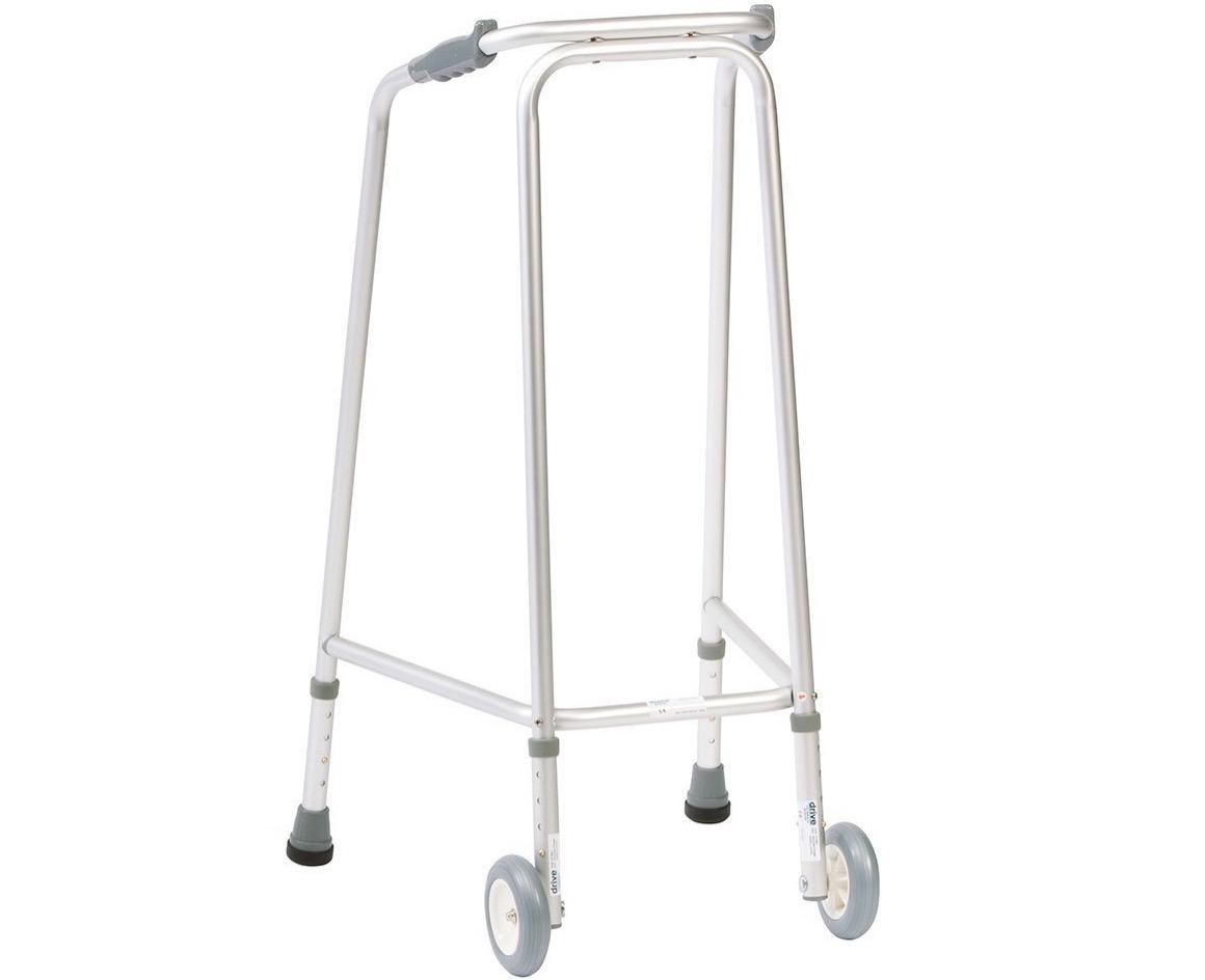 58 Deambulatore con ruote